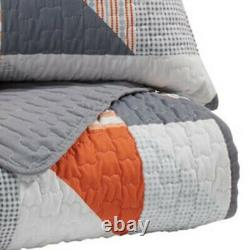Saltoro Sherpi 3 Piece Fabric Full Coverlet Set With Geometric Print, Gray And